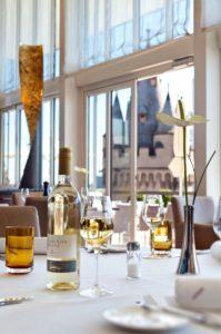 ausblick-restaurant-mit-flemings-wine_jpg