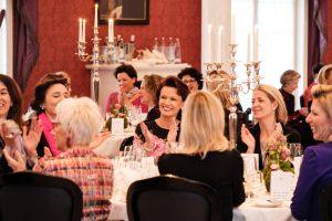 16.02.2017 , Bad Driburg , 10. Ladies Lunch im Gräflichen Park : festliches ambiente im graeflichen park resort  - in der mitte margit toennies