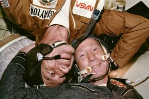 Deke_Slayton_and_Aleksey_Leonov