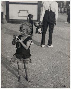 Umbo_Kleines-Mädchen_1928-1929_Berlinische-Galerie