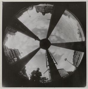 Umbo_Ohne-Titel-Aus-der-Serie-Die-Himmelskamera_1935_Berlinische-Galerie